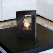 Helios B Purline, ein Bio-Ethanol Kamin aus schwarz lackiertem Stahl