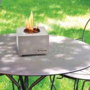 Aura Purline, table stainless steel chimney in its simplest form.